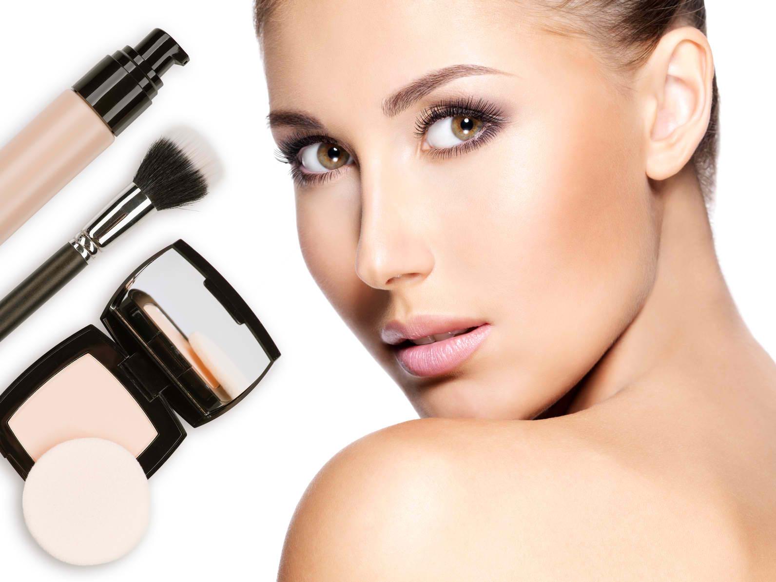 Foundation Makeup: Should You Use a Liquid or a Powder?