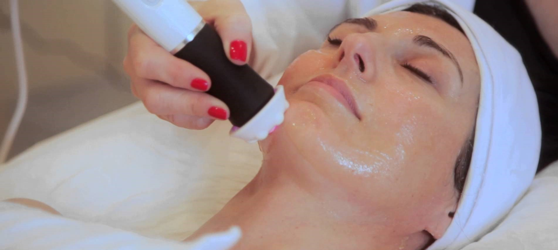 OXYGENEO REDEFINING SUPER FACIAL